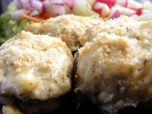 Stuffed Mushrooms With Creamed Chicken 500x375